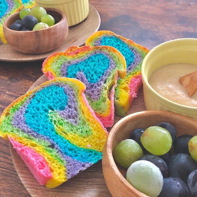 レインボー食パン
