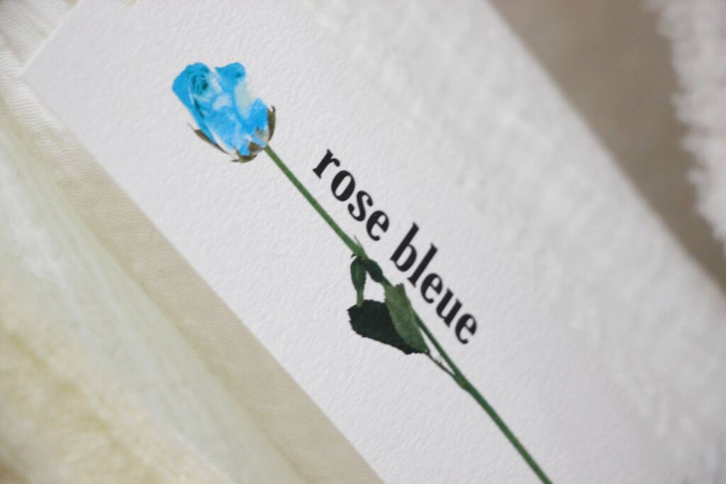 有村藍里の「rose bleue」ブランドタグ